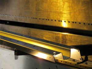 Biegen, Blech biegen, Abkanten, CNC-gesteuerten Winkelmesssystem