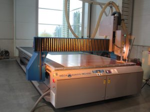 Plattenbearbeitung, Alu-Cobond-Platten, Reyno-Cobond-Platten, Verbundplatte, Max-Platten
